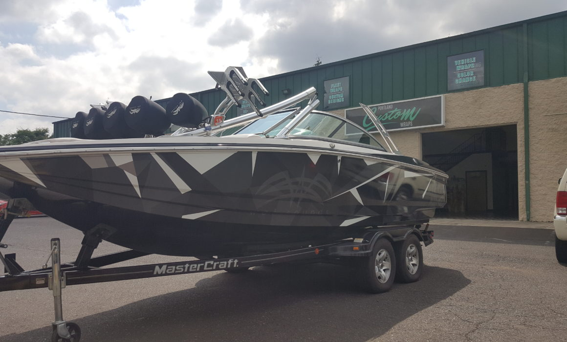 speed boat vinyl wrapping